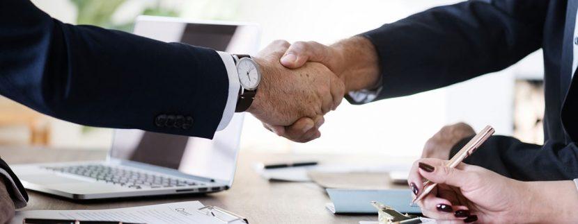 Юридически услуги относно продажбата и наема на недвижими имоти, апартаменти и земи в България