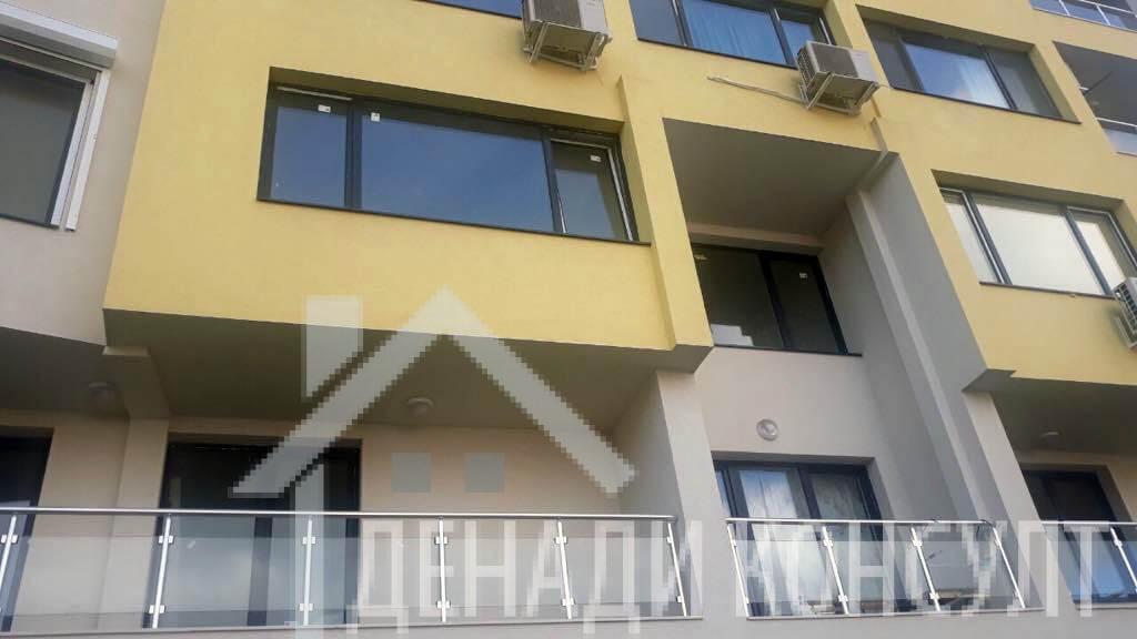 Двустаен апартамент в кв Хаджи Димитър