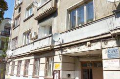 Компактен апартамент в идеалния център на София