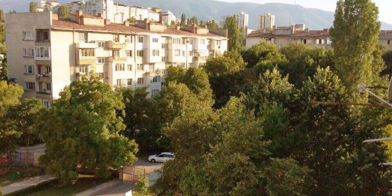 Гледка от двустаен апартамент в Сердика