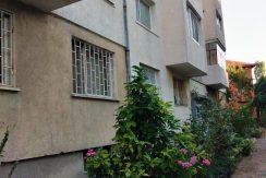Двустаен апартамент в Сердика пред блока