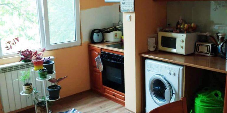 кухня Двустаен апартамент в Хаджи Димитър